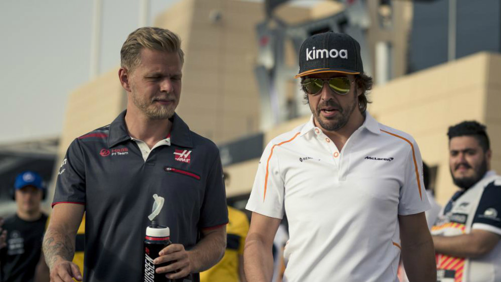 Kevin Magnussen y Fernando Alonso