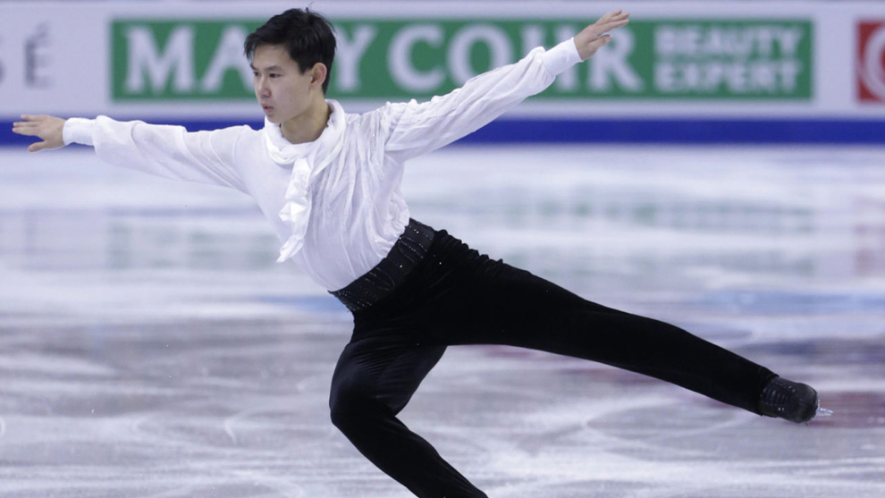Denis Ten durante una competición
