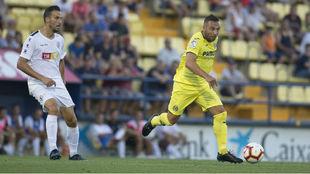 Santi Cazorla, durante el partido de pretemporada ante el Hércules...