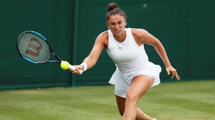 Sara Sorribes, durante su encuentro de Wimbledon ante Carla Suárez.