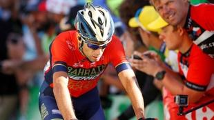 Nibali, en el momento de cruzar la meta en Alpe D'Huez.
