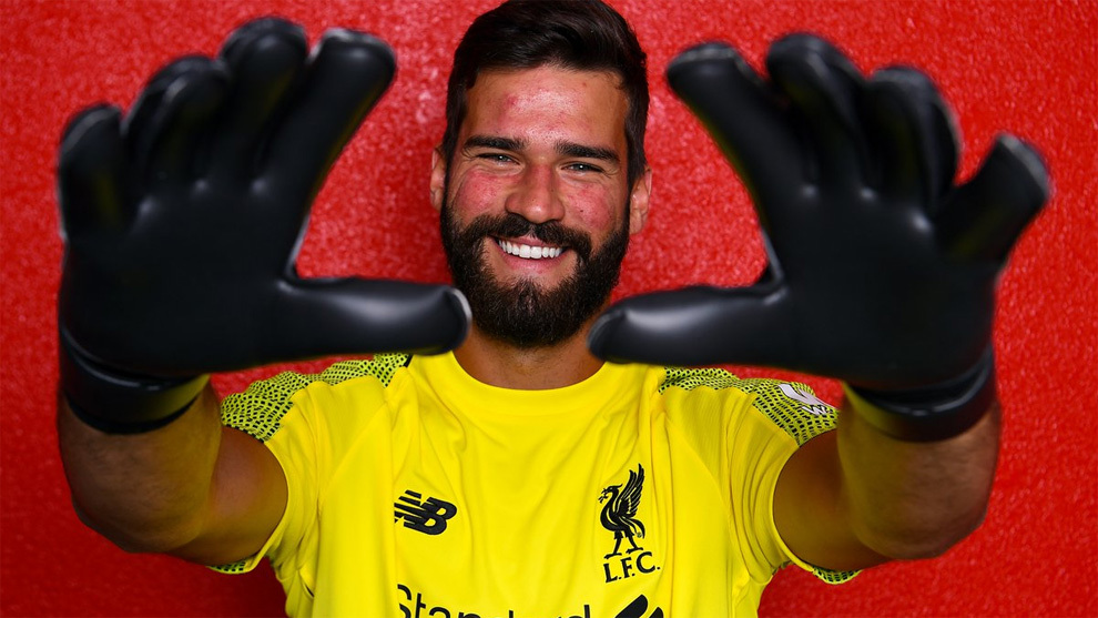 Official: Alisson has signed for Liverpool