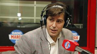 Raúl Chapados en los estudios de Radio MARCA.