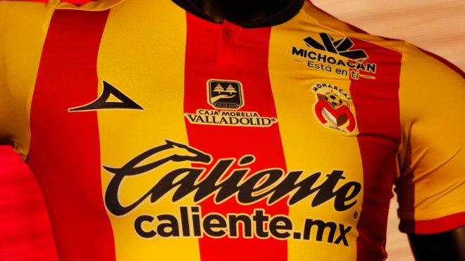 Liga MX Apertura 2018  El Morelia presenta sus nuevos uniformes para ... ce14aa0754933