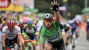 Peter Sagan celebra su triplete en el Tour.