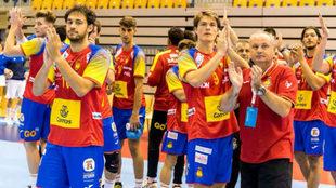 Los jugadores de la selección española Sub20 celebran una victoria