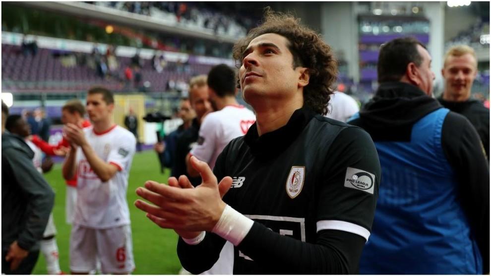 Memo Ochoa, en un partido con el Standard la temporada pasada.
