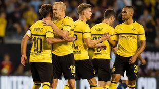 El equipo del Borussia celebrando la victoria