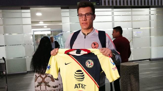 Llego al club más grande de México — Insaurralde
