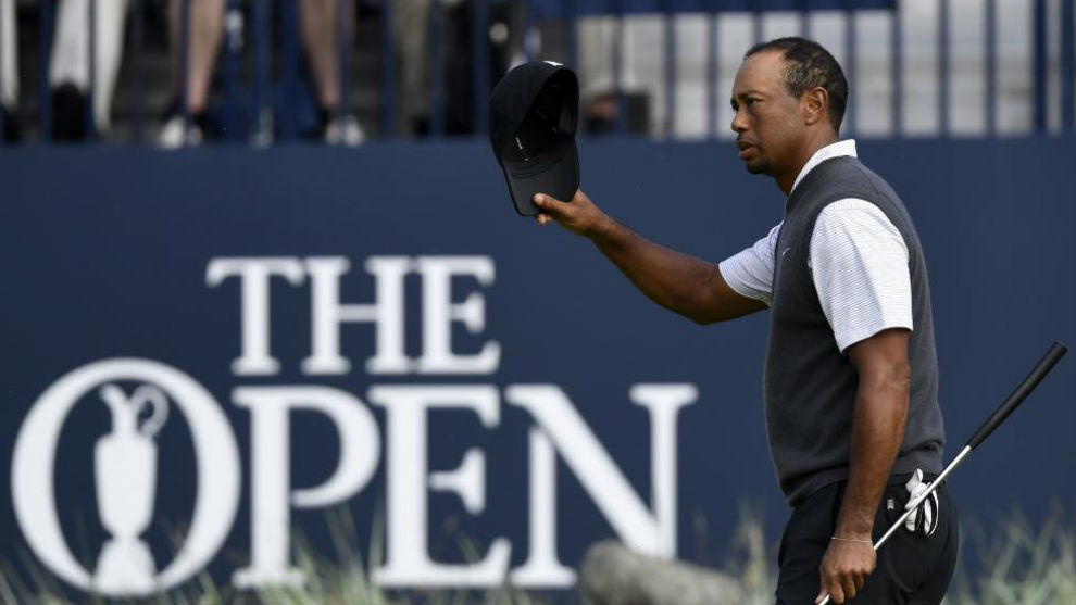 The Open: Woods makes move, Spieth & Schauffele wobble