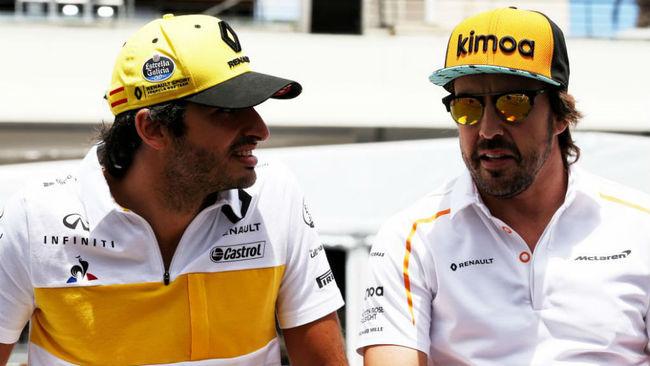 Carlos y Fernando, charlando durante el pasado Gran Premio de Francia.