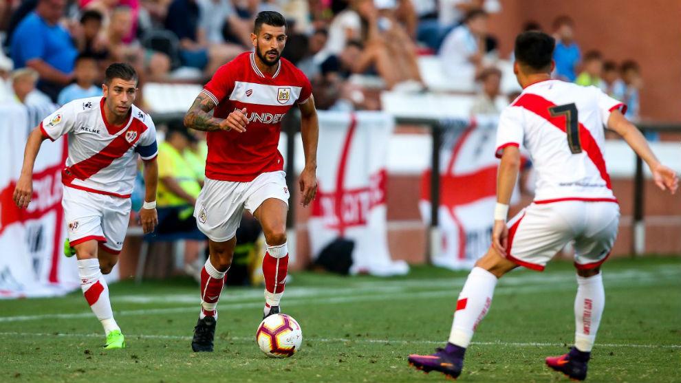 Embarba y Àlex Moreno, durante el partido ante el Bristol.