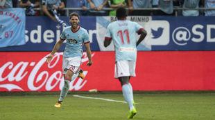 Sergi Gómez celebra un gol en Ipurúa.