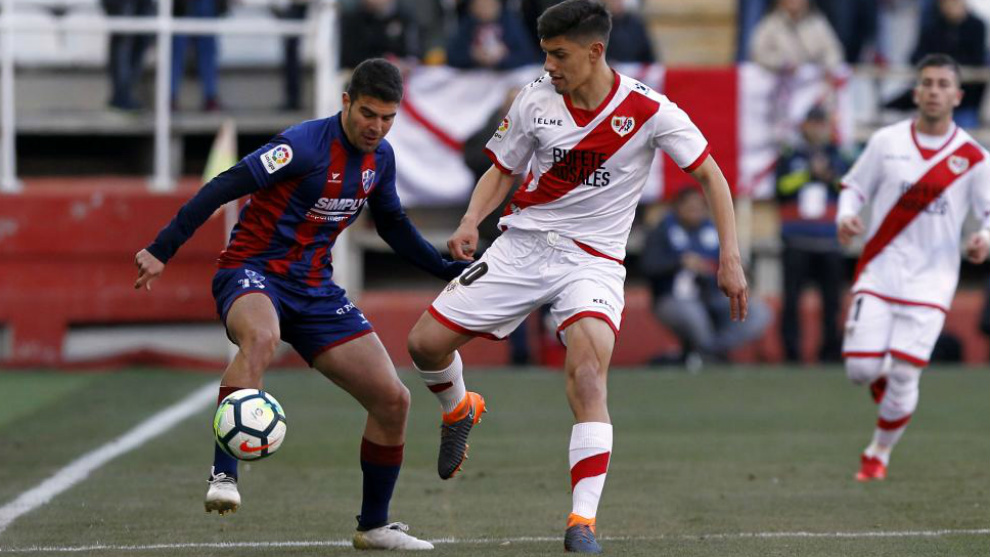 Emi Velazquez signs new deal with Rayo Vallecano