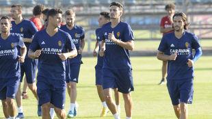 Álex Muñoz ya se ha ejercitado con sus nuevos compañeros.