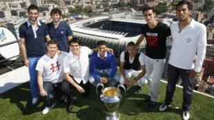 De izquierda a derecha, Albiol, Granero, Xabi Alonso, Kaká,...