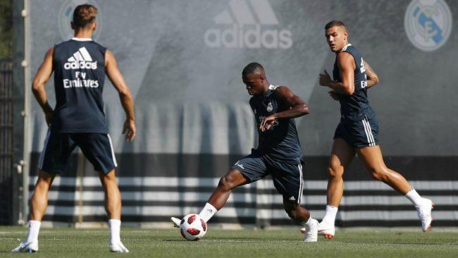 Vinícius durante un entrenamiento con el Real Madrid.