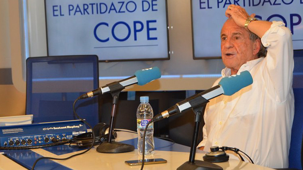 José María García, en los estudios de Cope