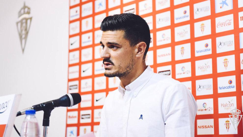 Sergio Álvarez en su despedida del Sporting de Gijón.