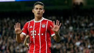 James se disculpa tras marcar un gol con el Bayern en el Bernabéu.