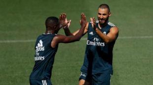 Benzema y Vinícius en un entrenamiento en Valdebebas.