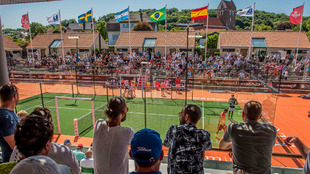 El público asiste al Abierto de Suecia, en Bastad