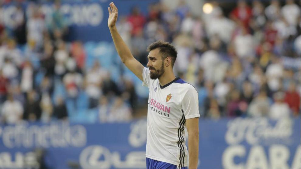 Borja Iglesias se despide del zaragocismo entre lágrimas.