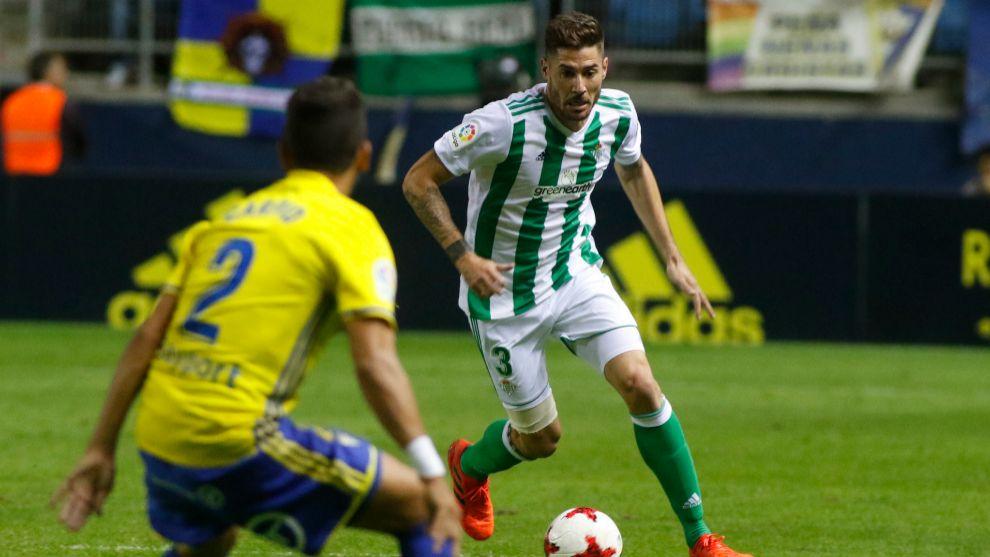 Javi García, en un partido frente al Cádiz