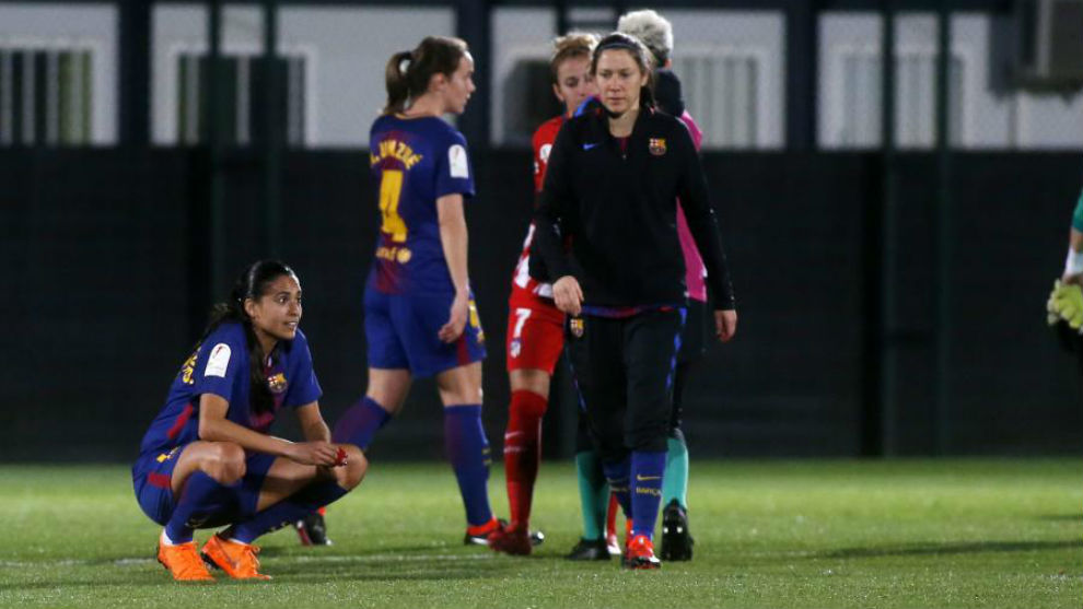 Barcelona criticised as women's team fly economy, men's in business class