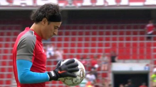 Standard y Ochoa debutan en Bélgica con victoria sobre el Gent