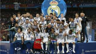 Por tercera temporada consecutiva el Real Madrid consiguió la Copa de...