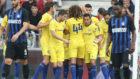 Los jugadores del Chelsea celebran el gol de Pedro.