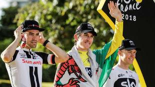 El podio final del Tour con Thomas, Dumoulin y Froome.