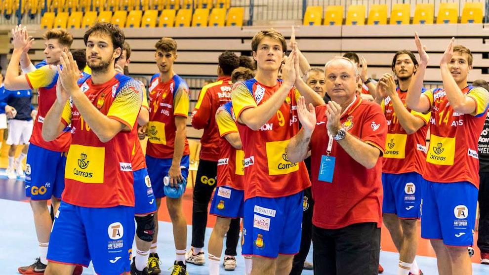 La selección española sub20 celebra la victoria