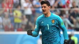 Courtois celebra un gol de Bélgica en el Mundial.