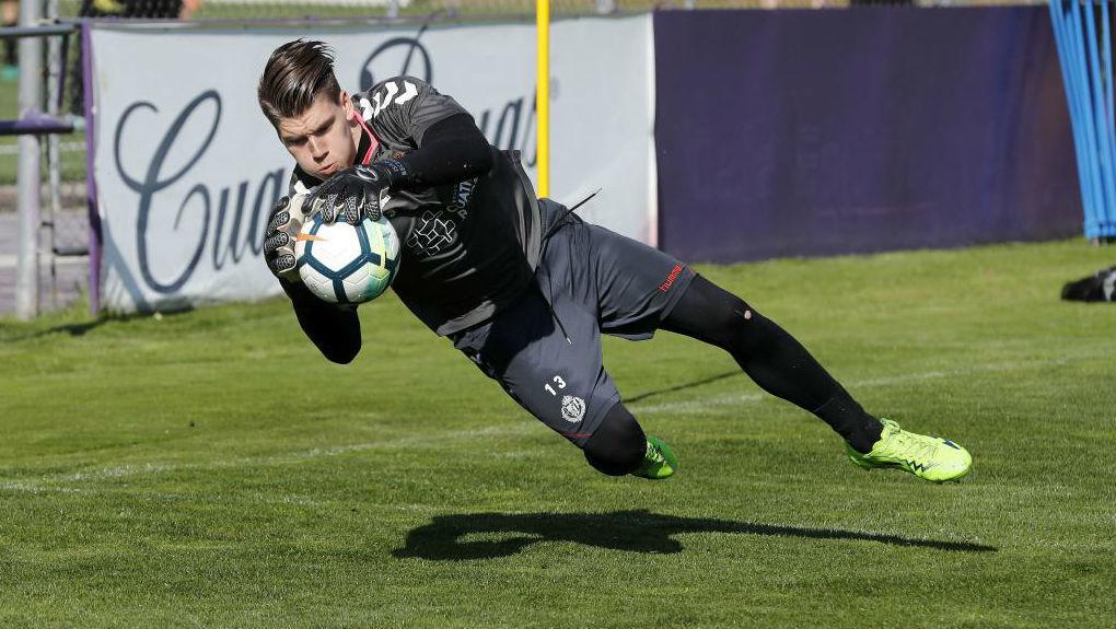 Isaac Becerra, durante un entrenamiento con el Valladolid.
