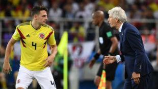 Pekerman habla con Santiago Arias en el pasado Mundial de Rusia.