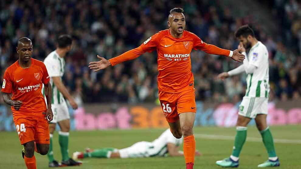 Yousef En-Nesyri celebra un gol con el Málaga al Betis  el pasado mes...
