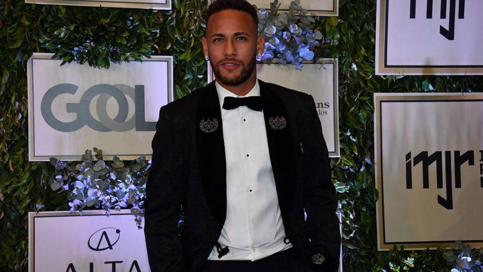 Neymar durante un evento benéfico de su fundación