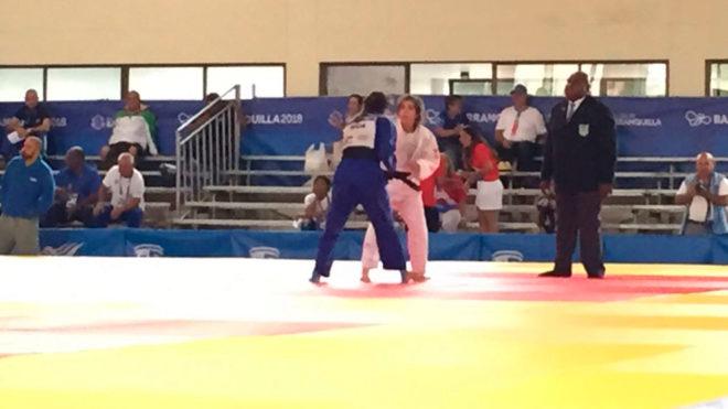 Jennifer Cruz  en su combate