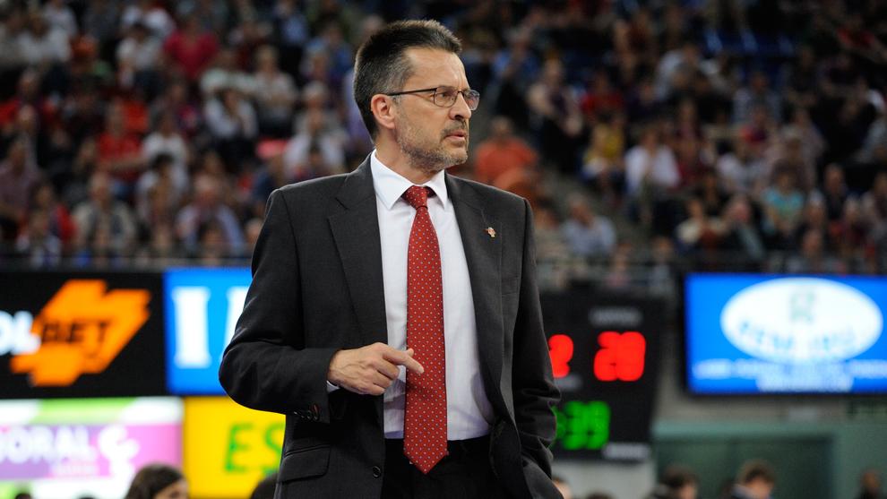 Pedro Martínez, entrenador del Kirolbet Baskonia, durante un partido