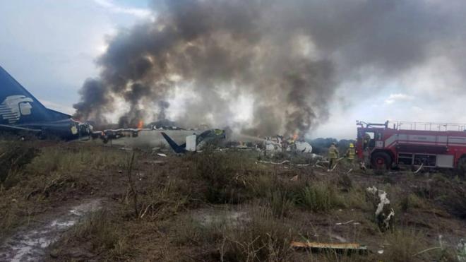 El avión de Aeroméxico tras el accidente en Durango