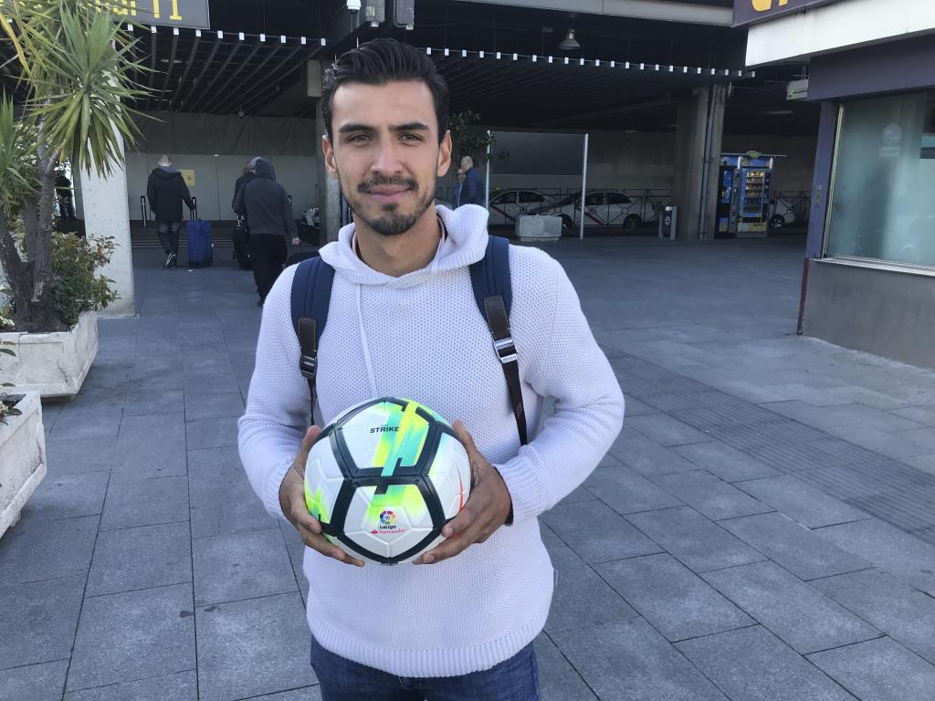 Alanís, en su llegada a España para firmar por el Getafe.