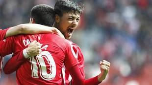 Barba celebra un gol la pasada temporada en El Molinón