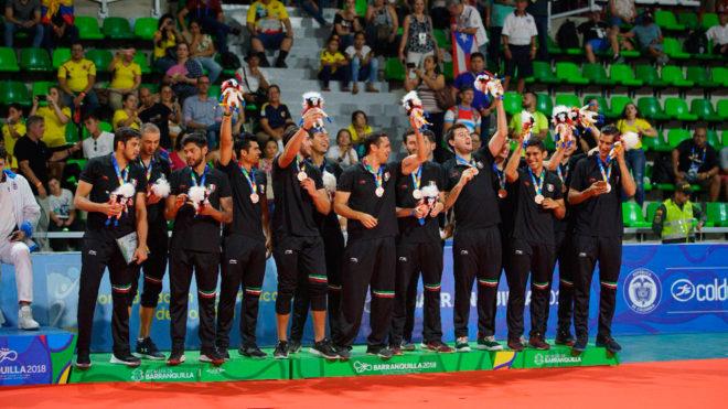 México celebra su tercer lugar en Barranquilla 2018.