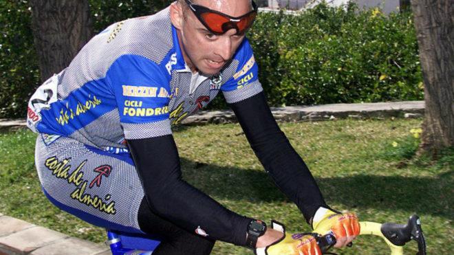 Armand de las Cuevas en la Vuelta a Andalucía de 1999.
