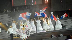 Panamá se presento al mundo con una fiesta de luz y color.