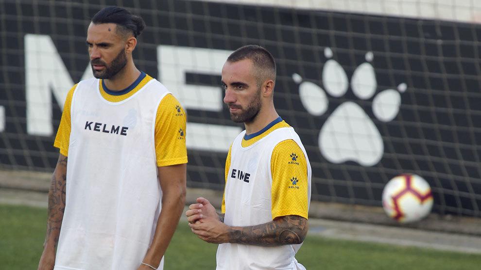 Sergio Sánchez, junto a Darder en un entrenamiento