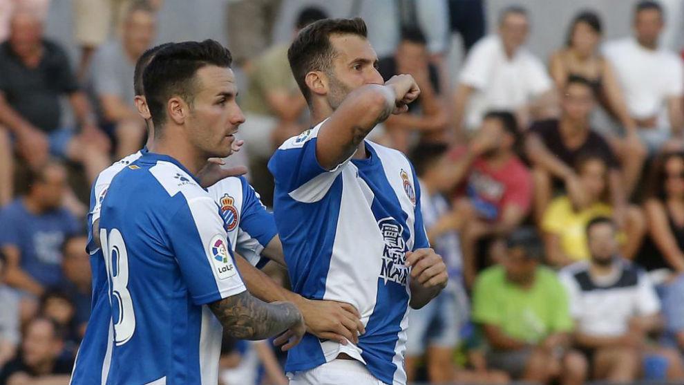 Baptistao celebra un gol contra el Olot, en el primer partido de...