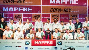 Foto de familia de todos los ganadores de la 37 Copa del Rey MAPFRE...
